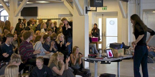 Foredrag om spiseforstyrrelser, sociale medier og præstationskultur blandt unge